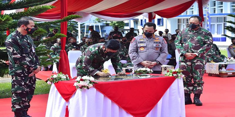 Kompak, Panglima Dan Kapolri Kunjungi Lembaga Pendidikan TNI-Polri