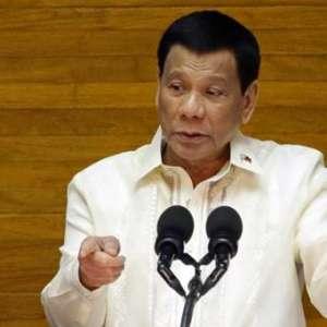 Duterte: Jika Tidak Suka, Pimpin Revolusi!