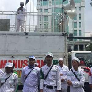 Habib Bahar Belum Datang, Massa LPI Kepung Bareskrim Polri