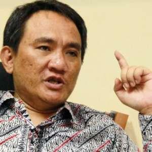Andi Arief: Lucu, Presiden Berkuasa Kok Nanya Main Game