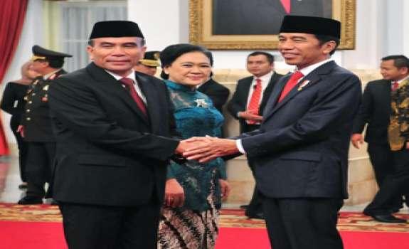 Jokowi Lantik Kepala BSSN