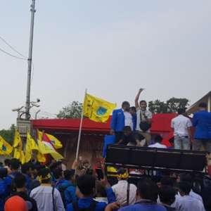 Massa Aksi: Legitimasi KPK Hilang, Tapi Masih Sempat Berbuat Zalim