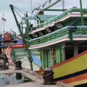 Siap Berlayar Ke Natuna, 40 Kapal Nelayan Rembang Tunggu Subsidi Pemerintah