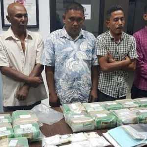 BNN Tangkap Penyelundup Ganja 1 Ton Dari Aceh