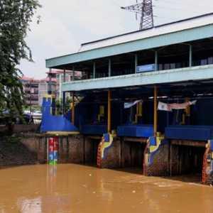 Diguyur Hujan, Pintu Air Di Jakarta Mayoritas 'Normal', 2 Berstatus 'Siaga'