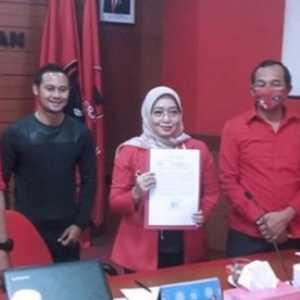 Dampingi Yena Masoem, Eks Kapten Persib Resmi Diusung PDIP Sebagai Calon Wakil Bupati Bandung