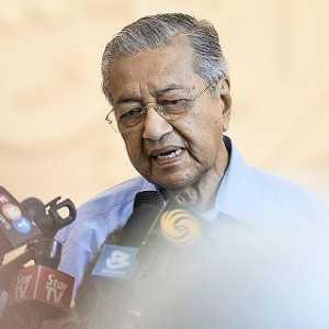 Mahathir Mohamad: Kekisruhan Politik Malaysia Tak Akan Usai Walau Anwar Ibrahim Jadi PM