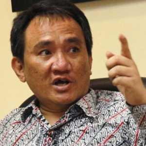 Andi Arief: Mahfud MD, Luhut, Dan BIN Harus Klarifikasi Fitnah Kepada Demokrat