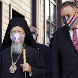 Pertemuan Pompeo Dengan Patriark Ekumenis Bartholomew I Disambut Teriakan Pendemo: 'Ganyang Imperialisme AS'