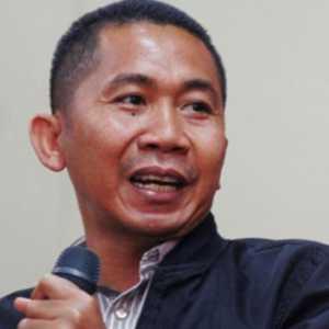 Banjir Kalsel, Salamudin Daeng: Si Nuhun Harus Hentikan Sandaran Politiknya Dari Tambang Batubara