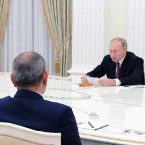 Redam Ketegangan, Putin Menjamu Pemimpin Armenia Dan Azerbaijan Di Satu Meja